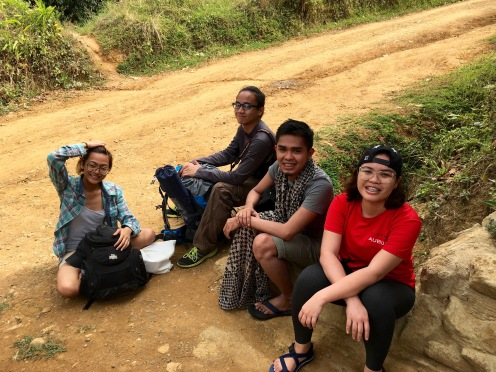 Hiking is also a way of meeting new friends, so glad to have Alex, Von and Alaine on that trip.